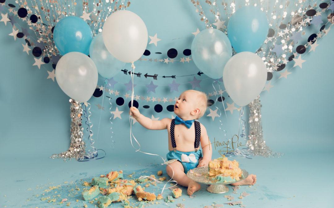 Incredible Shoreham Cake Smash Photoshoot Vinnie 1St Birthday Honey Pie Funny Birthday Cards Online Aeocydamsfinfo